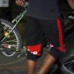 Chlapca na bicykli zachytil vlak
